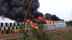 Kebakaran Kereta Bekas di Subang Hambat Perjalanan