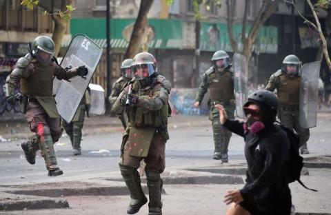 Puluhan Orang Terancam Buta Akibat Bentrokan di Chile