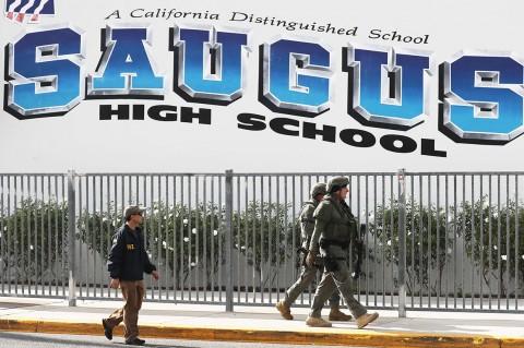 Suasana Pascapenembakan yang Tewaskan 2 Orang di SMA California