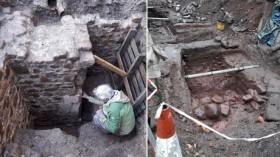 Rumah Kuno di Bawah Toilet