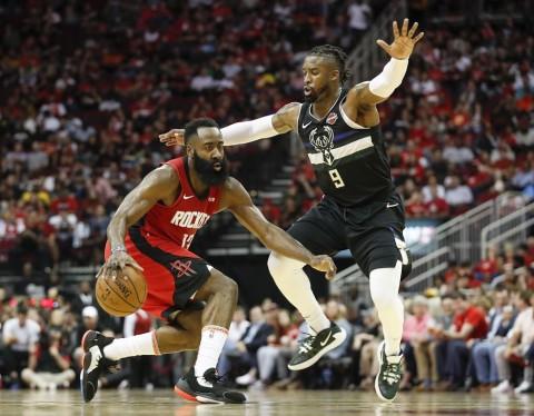 Harden Pimpin Rockets Tundukkan Clippers