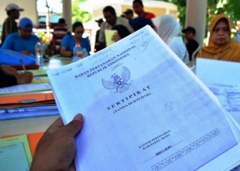 Menteri ATR Serahkan 2.156 Sertifikat Tanah ke Pemda DIY