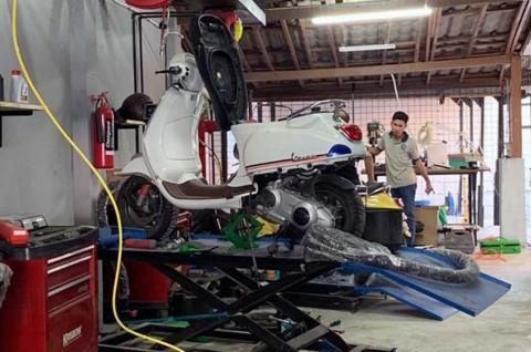 Servis Besar Skutik Tanpa Turun Mesin ala Scooter VIP