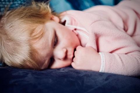 Tips Sukses Melatih Balita Tidur Sendiri
