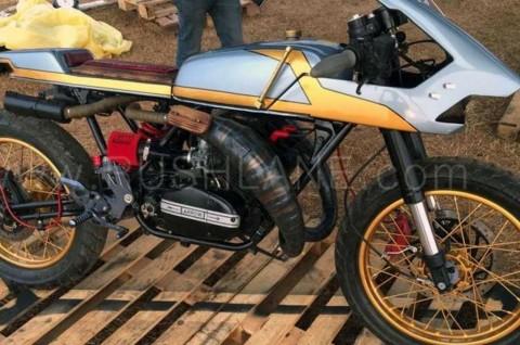 Yamaha RD350 Cafe Racer ini Terinspirasi dari Anak Panah