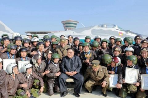 Kim Jong-un Pantau Latihan Angkatan Udara Korut