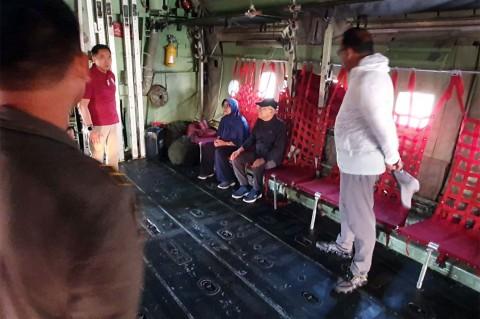 Pakai Jaket dan Sepatu Kets, Wapres Sidak Pangkalan TNI AU