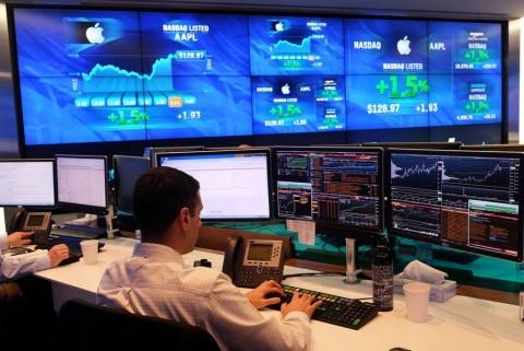 Bursa Saham AS Bervariasi
