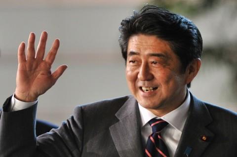 Shinzo Abe Resmi Jadi PM Terlama di Jepang