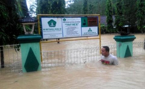 BPBD Intruksikan Pemdes Bersihkan Saluran Air