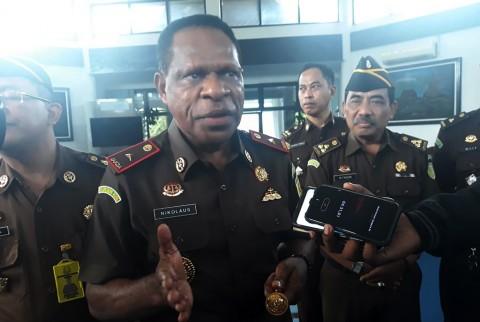 Nikolaus Komondo Jabat Kepala Kejaksaan Tinggi Papua