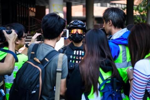 Terkepung, Mahasiswa Hong Kong Tidak Bisa Kabur