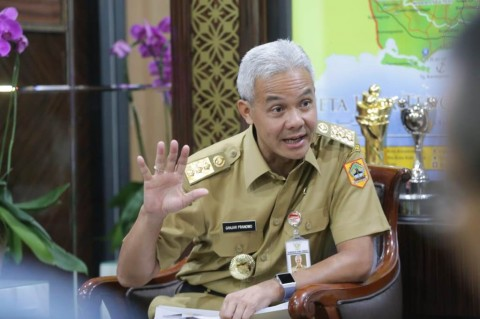 Ganjar Teken Upah Minimum 35 Kabupaten/Kota di Jateng