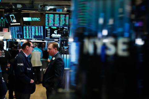 Wall Street Tumbang di Tengah Risalah Fed