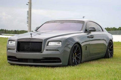 Rolls-Royce Tampil Gaul dan Mewah