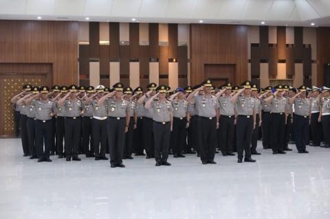 Firli Bahuri dan 36 Perwira Polri Naik Pangkat