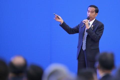 Jokowi Instruksikan Airlangga dan Luhut Kawal Kemudahan Berusaha