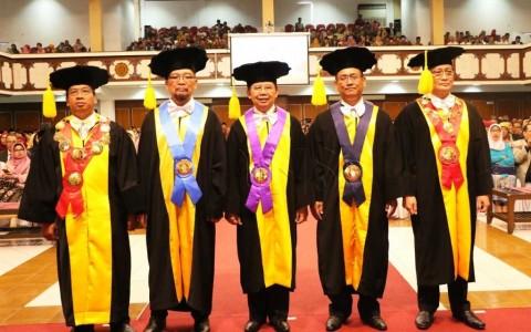 UNS Tambah Tiga Guru Besar Lagi