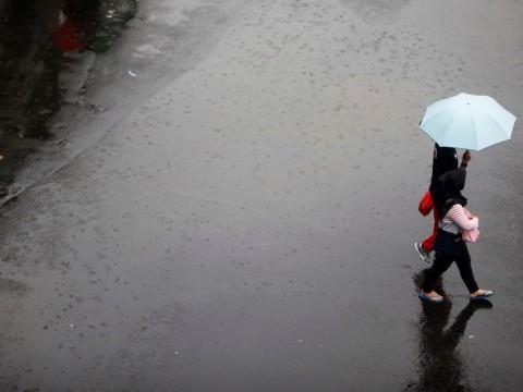 Warga Disarankan Menampung Air Hujan