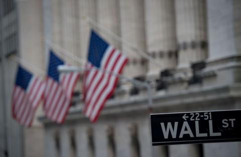 Wall Street Tergelincir