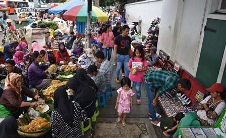 Pemprov DKI Diminta Tata PKL di Kota Tua