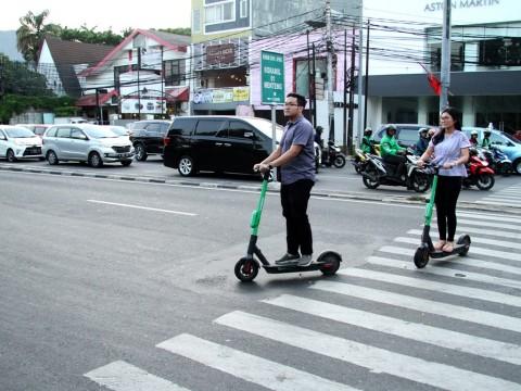 Otopet Listrik Tak Aman di Jalan Raya? Ini Kata Instruktur Safety Riding