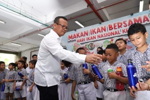 Menteri KKP Usul Bagikan Ikan ke Sekolah Setiap Pekan