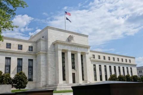 Fed: Ketidakpastian Perdagangan Bebani Ekonomi AS