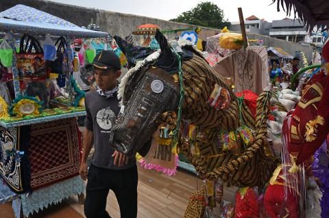 Serunya Tradisi Panjang Mulud di Serang