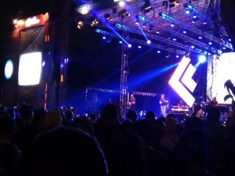 Band Bersaudara Hanson Obati Rindu Penggemar di 90's Festival