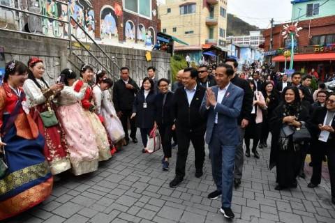 Jokowi Ingin Desa Gamcheon Jadi Inspirasi di Indonesia