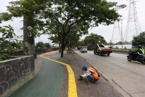 Pelanggar Jalur Sepeda di Tomang Mulai Ditindak