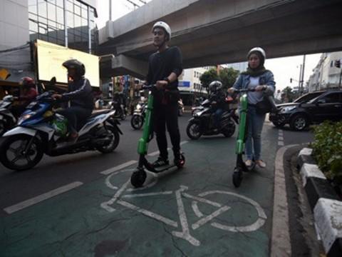 Penggunaan Skuter Listrik di Jalan Terancam Dibui