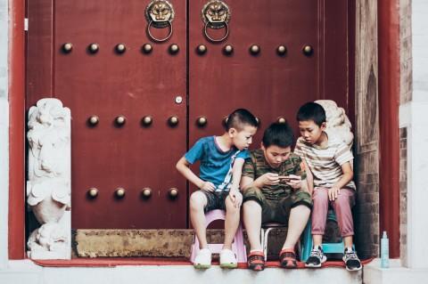 Studi Ungkap 'Waktu Gawai' Pengaruhi Perkembangan Otak Anak