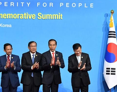Jokowi Dorong ASEAN-Korsel Fokus Garap Energi Terbarukan
