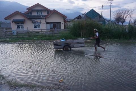 Warga Pesisir di Jatim Diimbau Waspada Banjir Rob