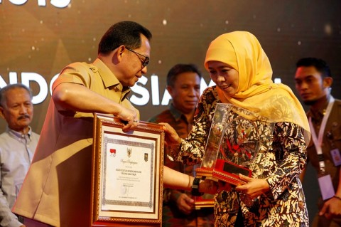 Muslimat NU Raih Penghargaan Ormas <i>Long Life Achievement</i>