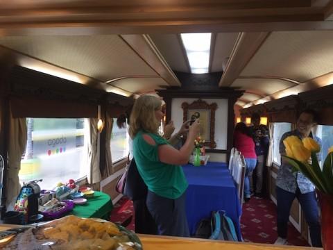 Menikmati Kereta Wisata Jawa
