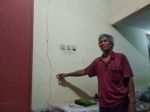 Belasan Rumah di Sekitar Proyek Apartemen Retak