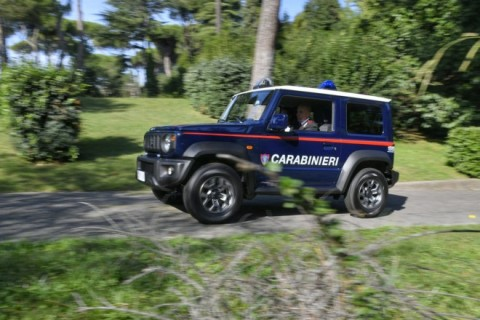 Di Indonesia Inden, Di Italia Jimny Jadi Mobil Kepolisian