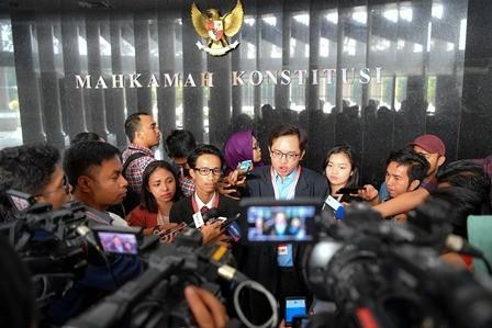 Gugatan Ditolak, Penggugat UU KPK Laporkan Hakim MK