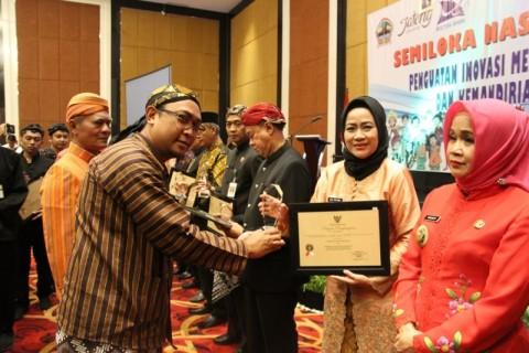 Brebes Raih Anugerah IDSD se-Jateng
