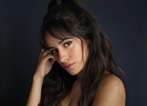 Camila Cabello Pernah Curi Barang di Istana Inggris