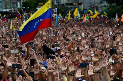 Didera Krisis, Venezuela Bayar Tiongkok, Kuba, Rusia Miliaran Dolar