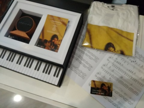 Isyana Sarasvati Jual Box Set Album Lexicon, Apa Saja Isinya?
