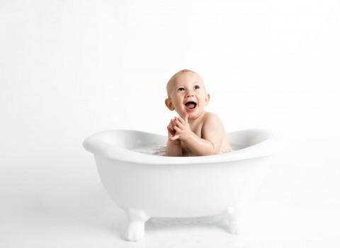 5 Kesalahan saat Memandikan Bayi Baru Lahir