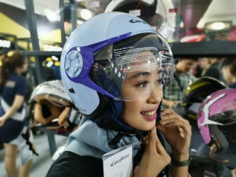 Cargloss Desain Helm Khusus untuk Hijabers