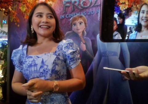 Prilly Latuconsina Ajak Ratusan Anak Nonton Frozen 2