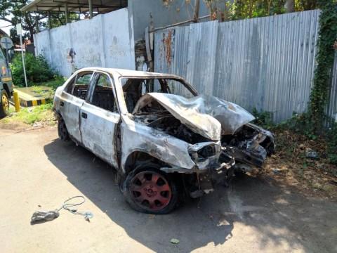 Mobil Perampok Terbakar di <i>Flyover</i> Kota Cirebon