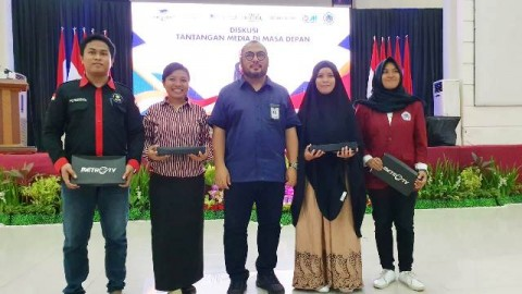 Media Group Berbagi Ilmu Jurnalistik di Gorontalo